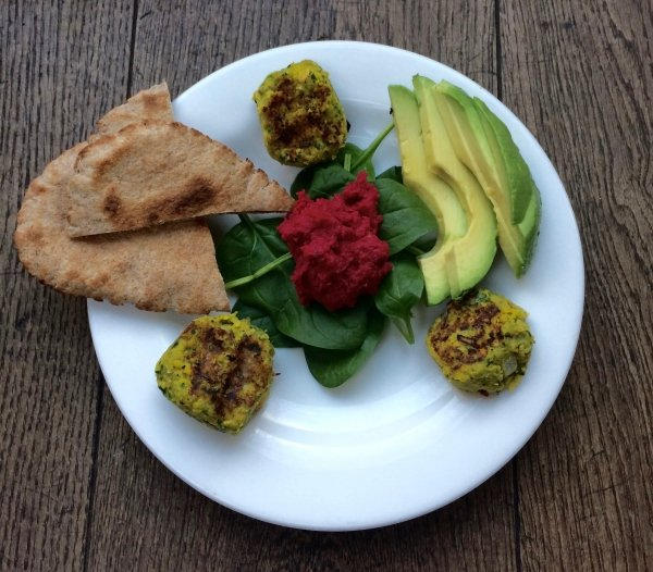 Homemade falafel with beetroot hummus