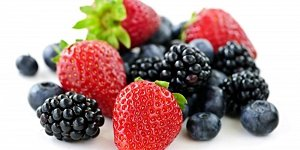 Unrefined carbohydrates like fruit can help to stabilise blood sugar levels